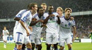 Динамо розбирається з Дніпром